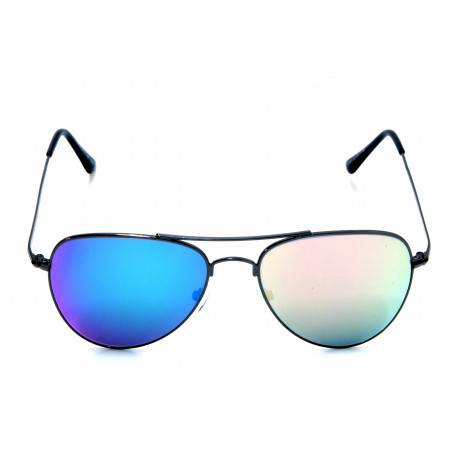 Sunglasses with mirrored lenses of different colors